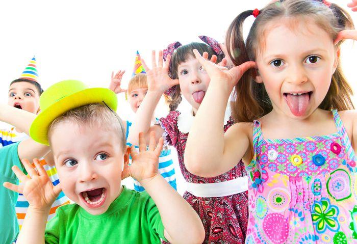 Aprendamos de los niños a reeducar nuestra felicidad