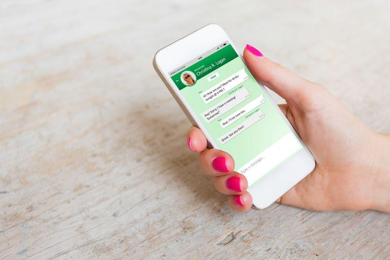 Cómo comunicarse por WhatsApp con la gente del trabajo